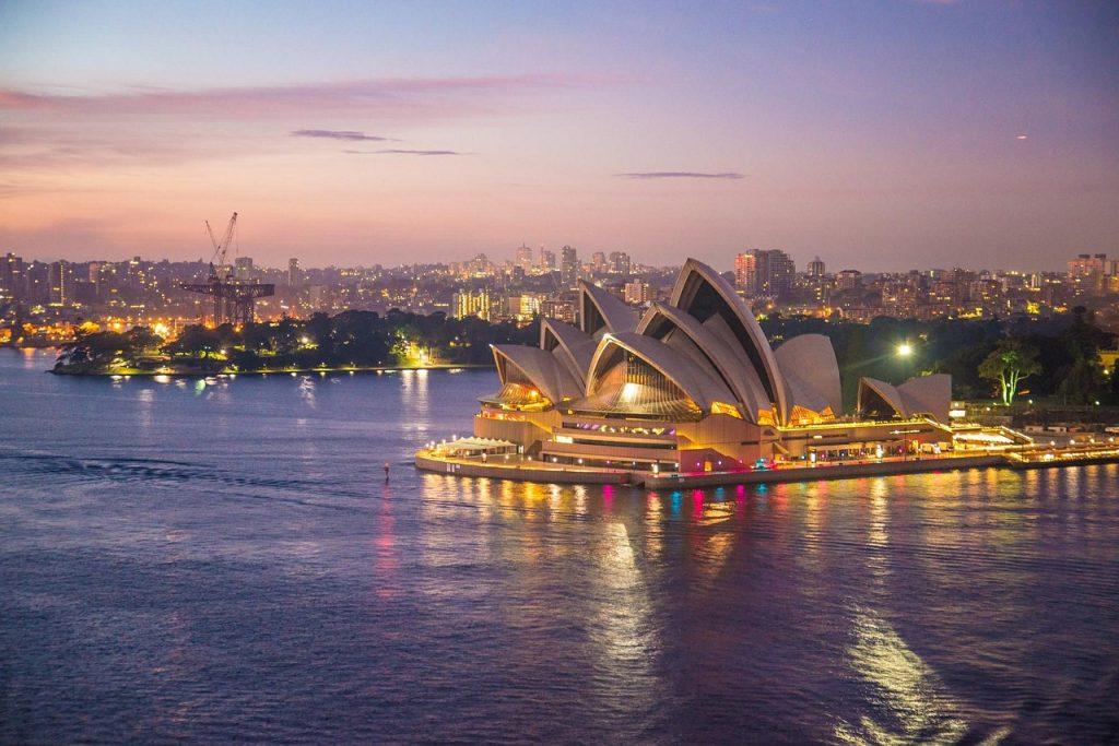 澳洲移民多少钱?附官网费用价格清单
