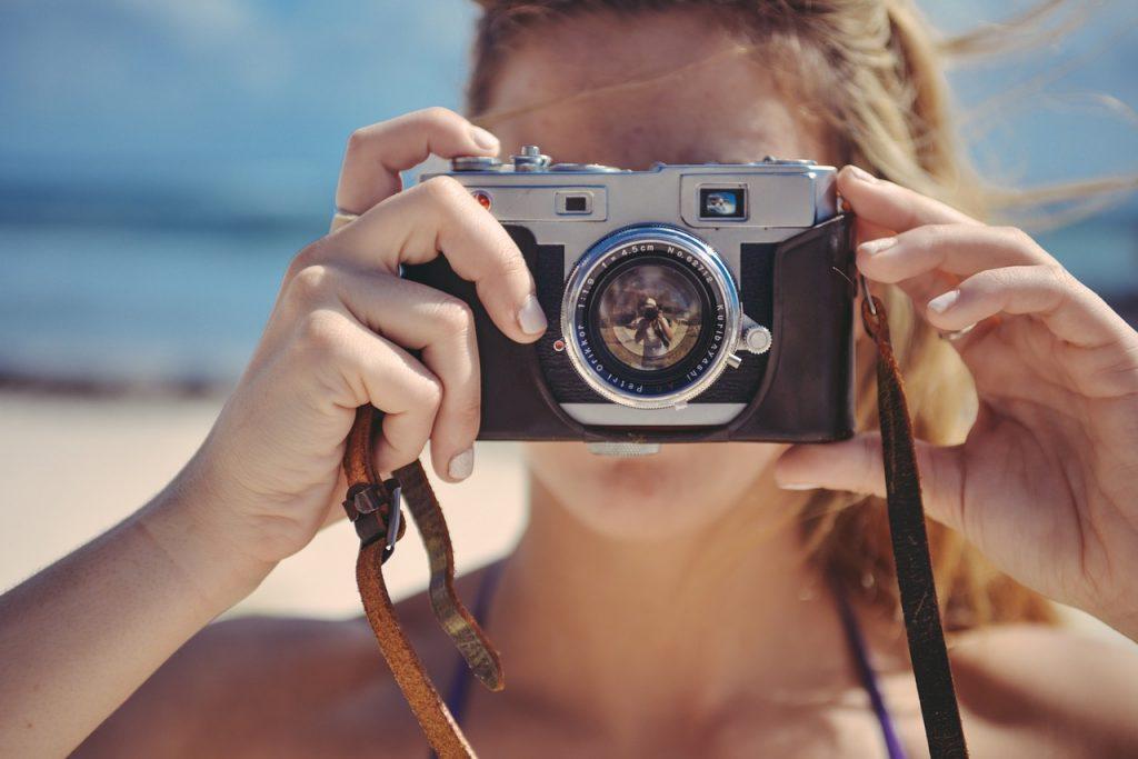 在澳洲拿着手机对别人拍照是否侵犯肖像权?澳洲法律|在澳洲可以拍摄警察执法吗?